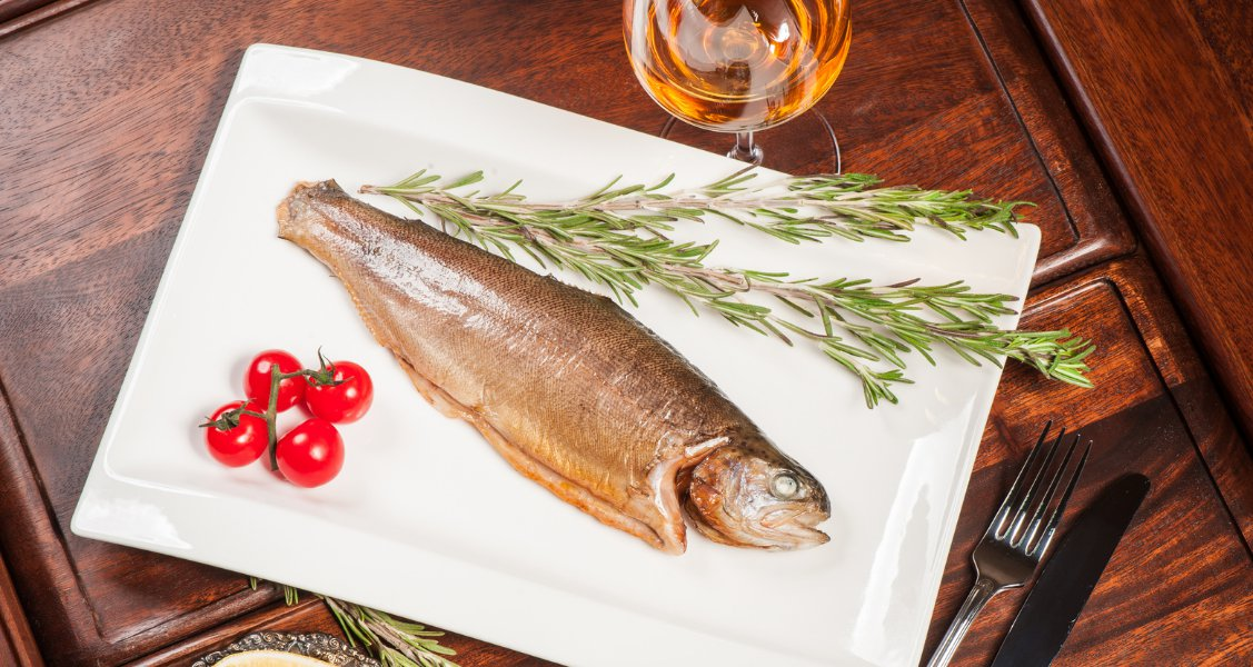 Pairing wine with fish: it's not all about white